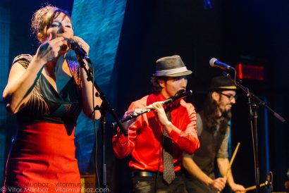 Mélisande Electrotrad performing live with guest artists Yaëlle Azoulay, Greg Krypto Selinger, and Yves Lambert
